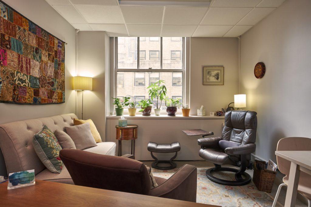 Mari Grande, office near Grand Central
